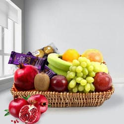 Festive Greeting Gift Hamper of Fresh Fruits N Chocolates to Bareilly