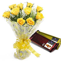 Dreamy Selection of Yellow Color Roses with Chocolates to Chengalpattu