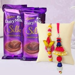 Cadburys Silk with Bhaiya Bhabhi Rakhi Set to Mandia