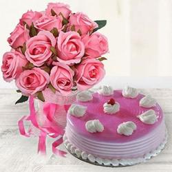 Delicious Strawberry Cake with Pink Roses to Alwar