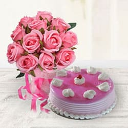 Amazing Strawberry Cake with Pink Roses Bouquet to Alwar