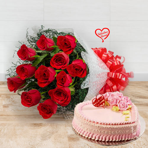 Red Roses Bunch with Heart Shape Cake to Sirsi