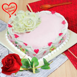 Scrumptious Love Cake with Red Rose to Yamunanagar