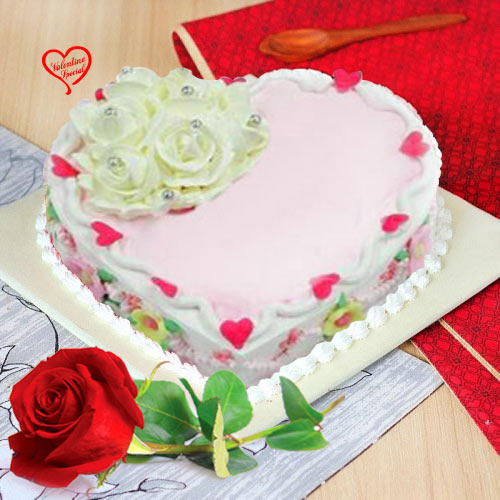 Scrumptious Love Cake with Red Rose to Amalampuram