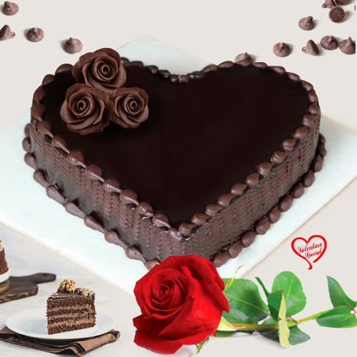 Scrumptious Love Shape Chocolate Cake with Red Ros... to Sirsi