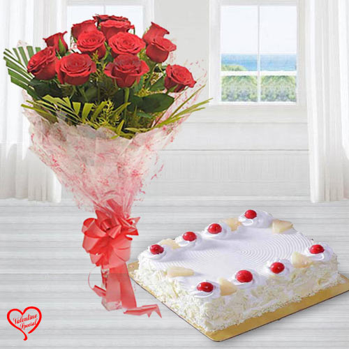 Dutch Red Roses with 1 Kg. Eggless Cake to Aligarh