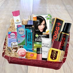 Exclusive Grooming Gift Hamper  to Akola