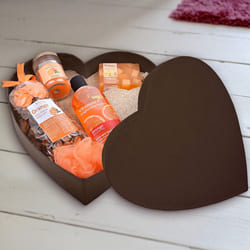 Beautifying Bodyherbals Orange Surprise Bathing Set to Adoor