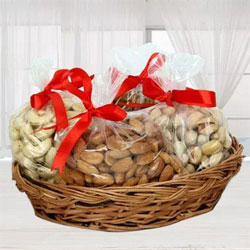 Marvelous Mixed Dry Fruits Basket for Mom to Alwar