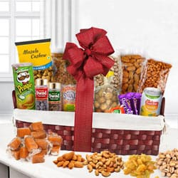 Gobbling�s Excess Dry Fruits Hamper to India