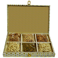Nutty Dry Fruits Gift Box to Domlur