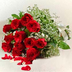 Charming one dozen Red Roses to Hyderabad