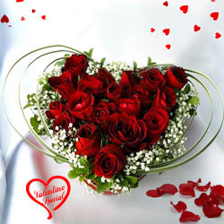 12 Dutch Red Roses in Heart Shape Arrangement to Cochin
