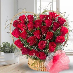 Impressive Red Roses Heart Shaped Arrangement to Akola