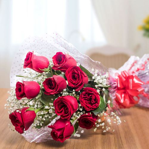 Lovely and Delightful Rose Assortment to Bolpur