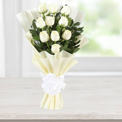 Sensational White Rose Bunch to Alapuzha
