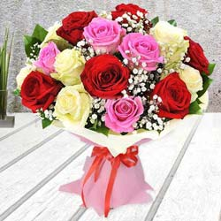 Breathless Luxury Mixed Rose Premium Bouquet to India