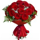 Dazzling Passionate Bouquet of 12 Roses to Akola