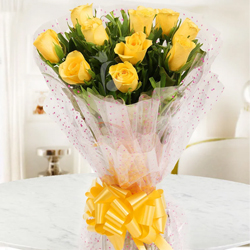 Tropical 10 Yellow Roses Bunch for Special Celebration to Mysore