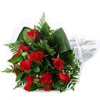 Extravagant Red Roses Bunch of Unforgettable Love to Trichur