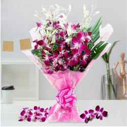 Enchanting Expression Bouquet of Orchids Stems to Agra