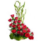 Stimulating Premium Arrangement of�15 Roses in Red Colour to Barauipur