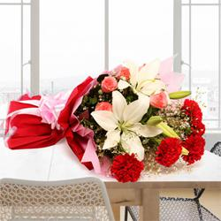 Euphoric Bouquet of Enchanting Flowers to Ludhiana