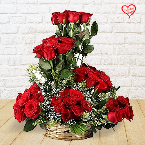 Infinite Sparkle Valentine�s Day Rose Collection to Faridabad