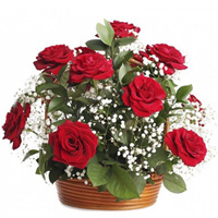 Sparkling Birthday Red Rose Arrangement to Barauipur