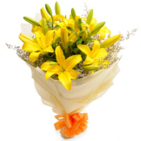 Joyful Bouquet of Yellow Lilies to Hoshiarpur