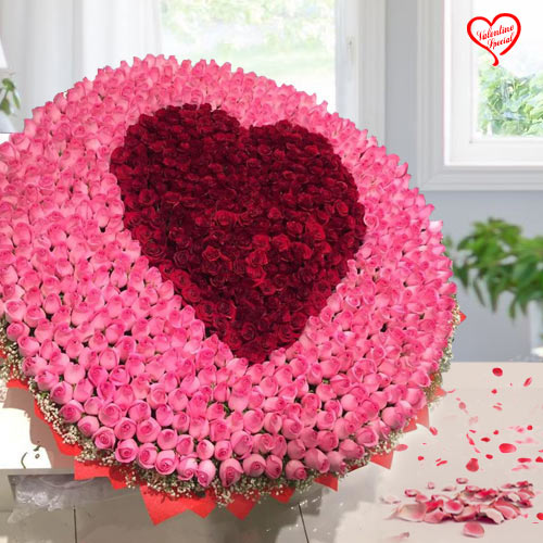 Elegant 500 Rose Bouquet with Heart to Bolpur