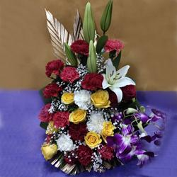 Remarkable Mixed Flowers Arrangement to Aleppy