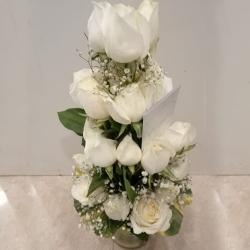 Classic Arrangement of White Roses in Glass Vase to Adilabad
