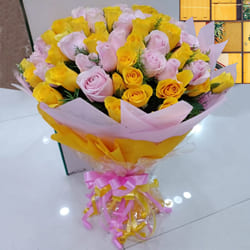 Elegant 25th Wedding Anniversary Celebration Floral Gift to Akola
