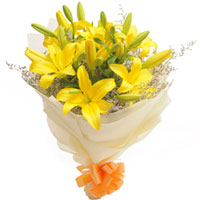 Striking Yellow Color Lilies Bouquet