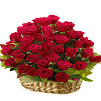 Fantastic Arrangement of Red Roses in a Basket