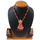Captivating Womens Special Necklace Set to Solapur