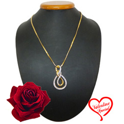 Extremely Sensuous Ayla Double Knot Pendant with C... to Hyderabad