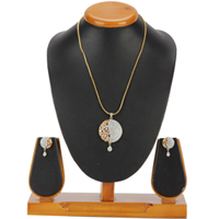 Decorative Simplicity Pendent and Earrings Set to Aluva