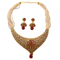 Gorgeous Necklace Set for Ladies to Solapur
