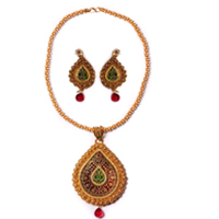 Suave Gold Meenakari Pattern Necklace Set to Baghalkot
