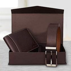 Genteel Ensemble of Wallet and Belt to Amalampuram