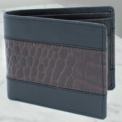 Alluring Mens Leather Wallet to Adugodi