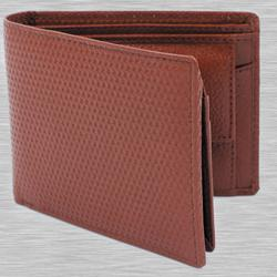 Admirable Maroon Color Gents Leather Wallet to Aizwal