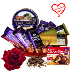 Graceful Festive Carnival Chocolate Hamper to Faridabad
