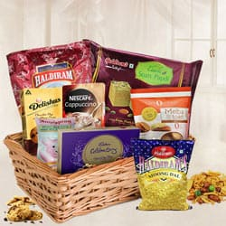Bewitching Hamper Basket with Warm Love to Banswara