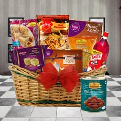 Dazzling a Slice of Heaven Gourmet Breakfast Hamper to Anantnag