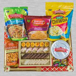 Amazing Festive Time Snacks Hampers to Aligarh