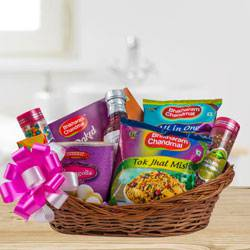 Assorted Snacks Hamper to Adra