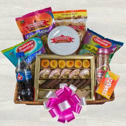 Dazzling Assorted Snacks Hamper to Aligarh